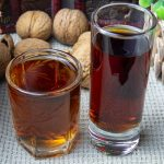 фото настоек на скорлупе грецких и кедровых орехов