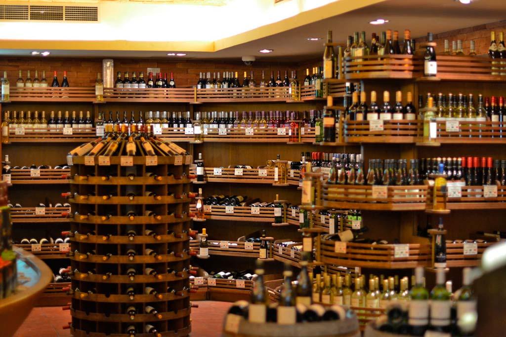 продажа алкоголя в Дьюти фри Дубая