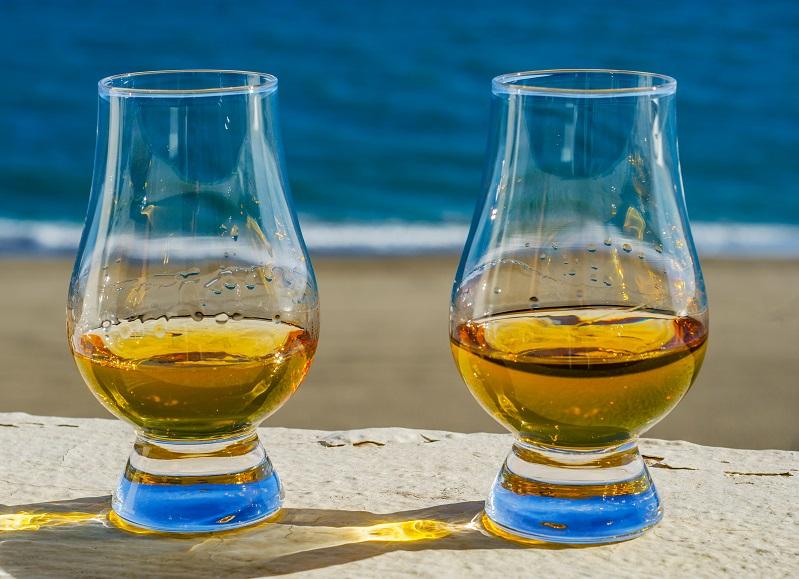 фото бокалов для дымного виски