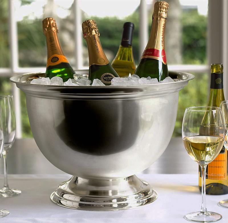 фото ведерка для охлаждения игристого вина и шампанского