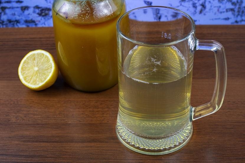 фото домашнего кваса из березового сока с медом