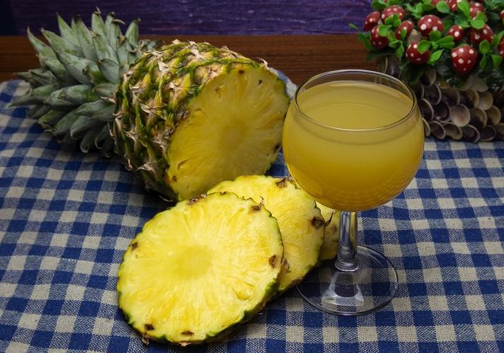фото домашнего вина из ананаса
