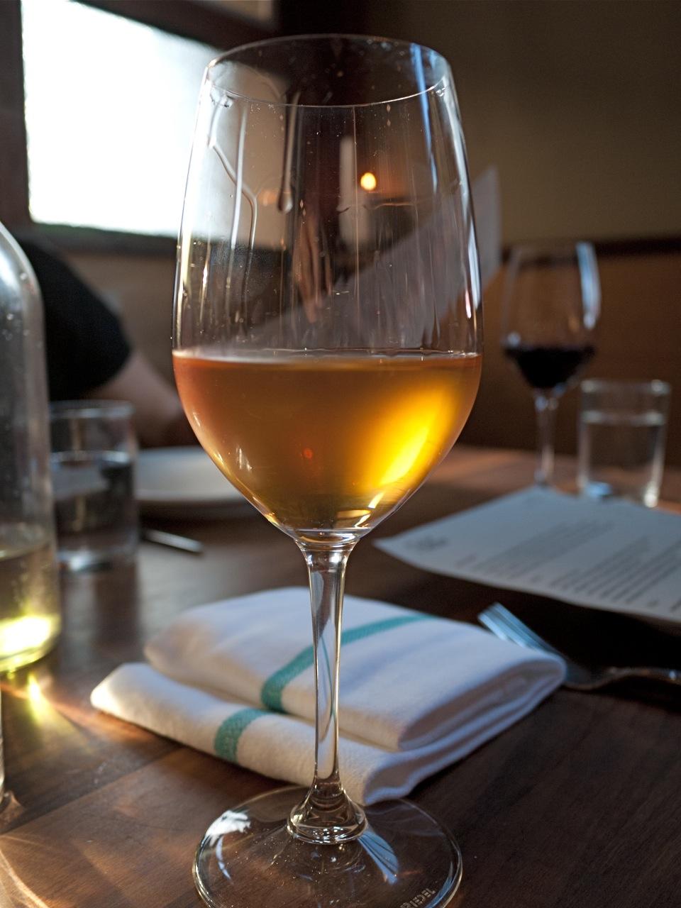как правильно пить оранжевое вино и чем закусывать