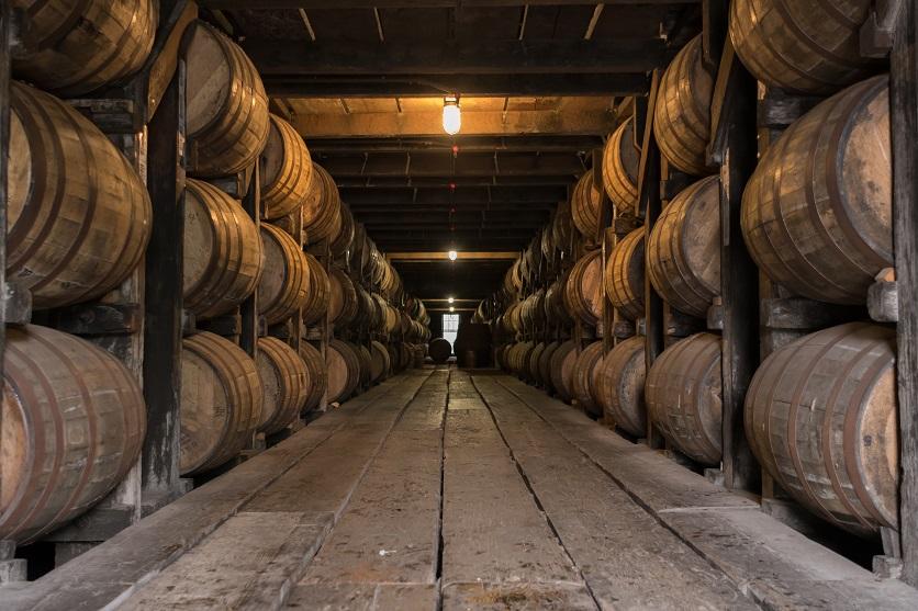 фото как выдерживают виски в бочках