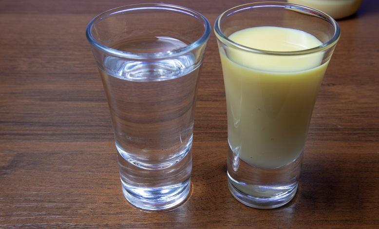 фото самогона из сгущённого молока