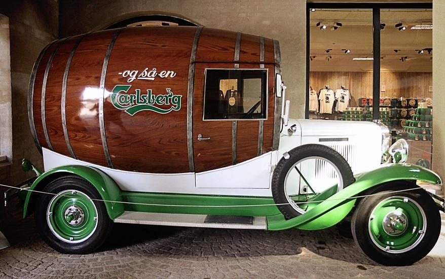 машина для перевозки пива Карлсберг