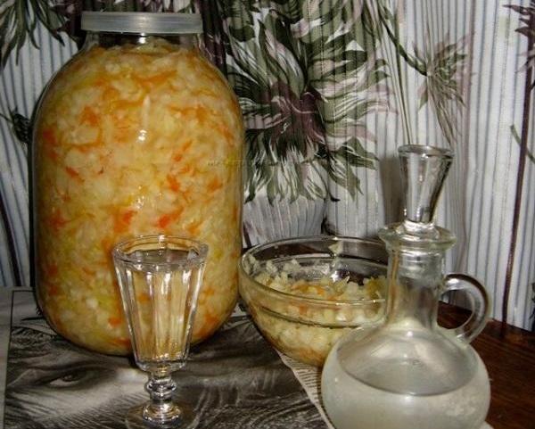фото готовой квашеной капусты на водке