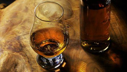 фото бокала для виски гленкерн