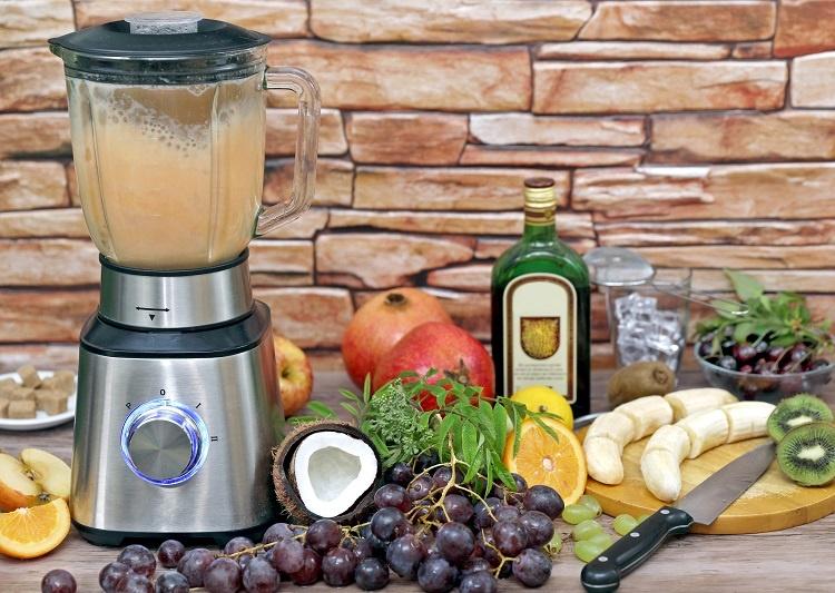 приготовлние коктейля методом Бленд