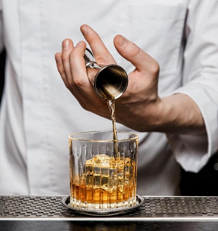 приготовлние коктейля методом билд