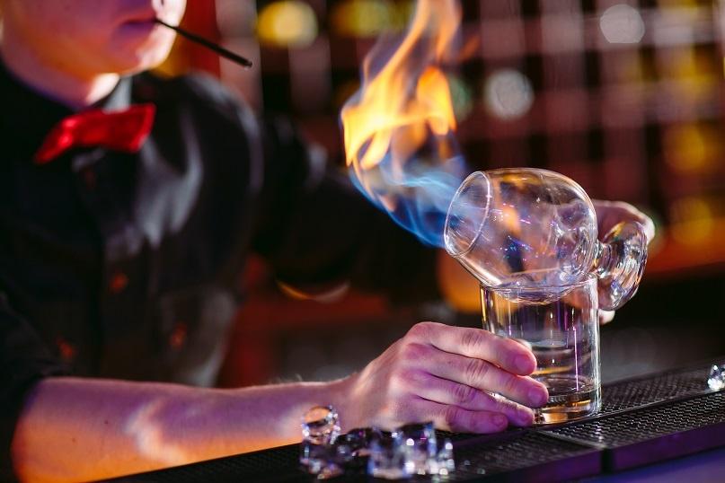 приготовлние коктейля методом Флеминг