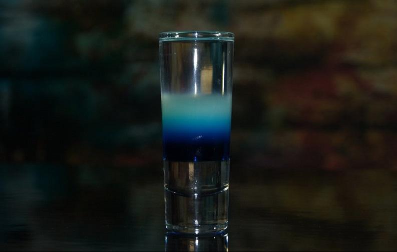фото коктейля цунами, сделанного в домашних условиях