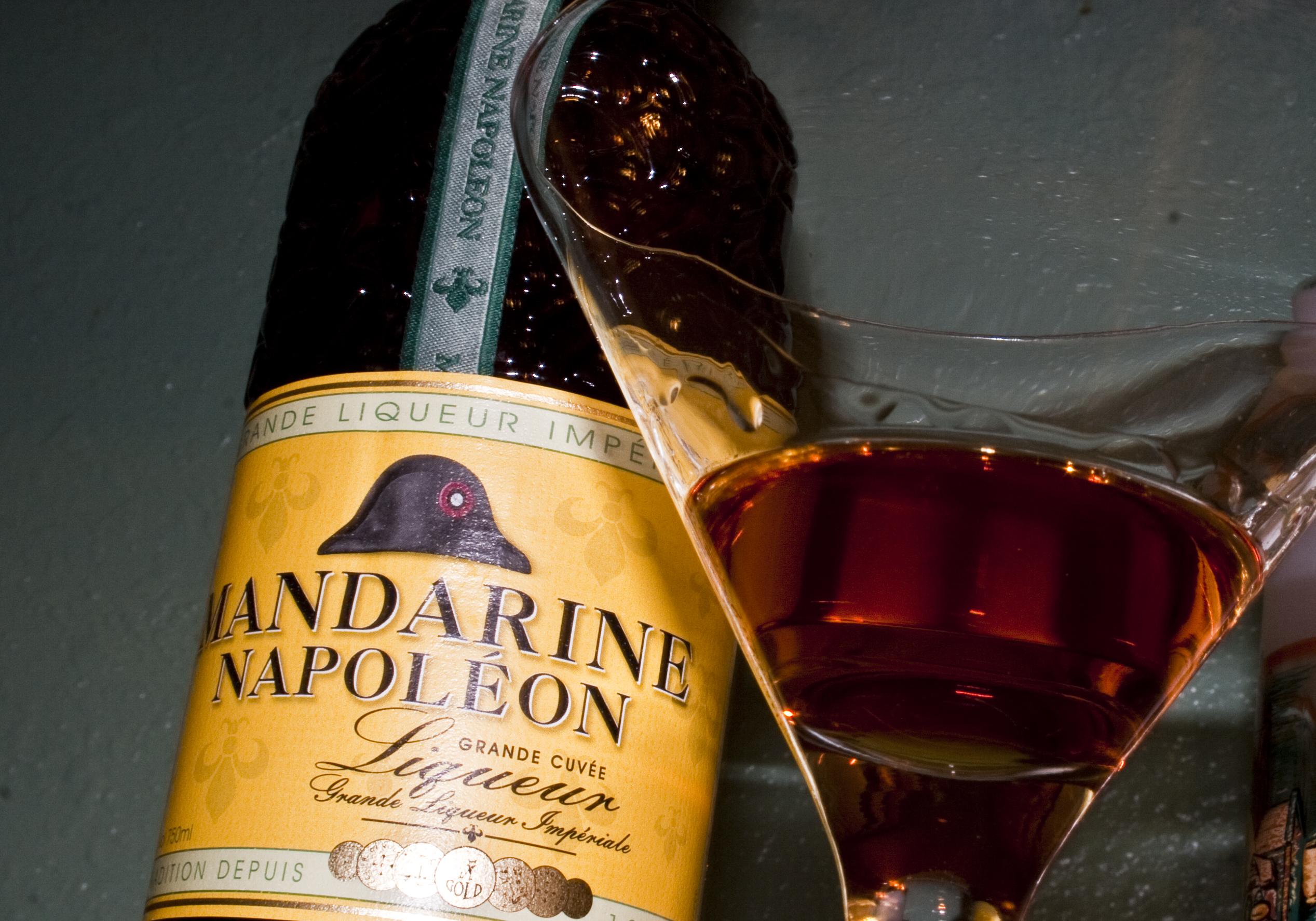 фото как правильно пить Мандарин Наполеон