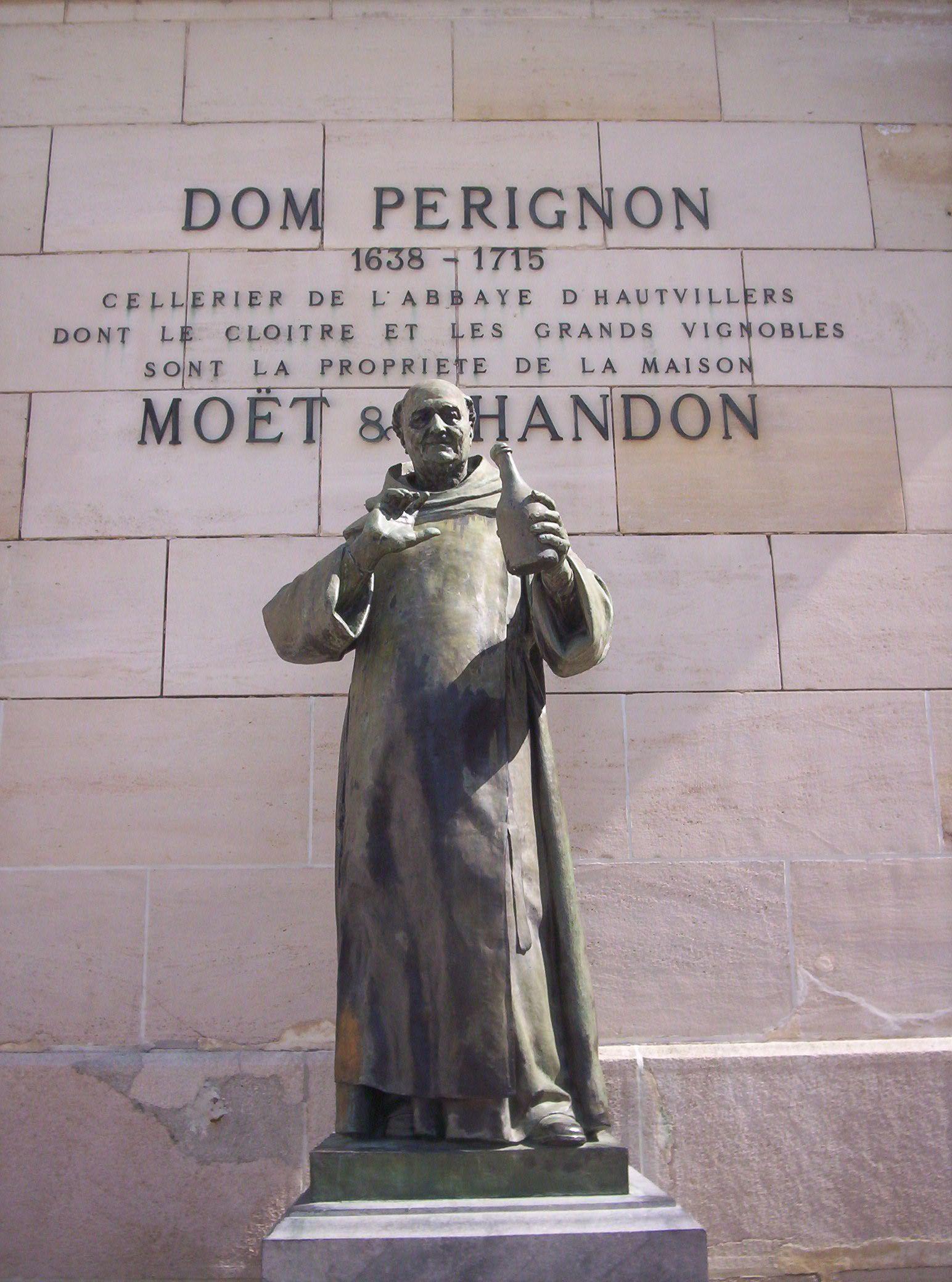 фото памятника Дом Периньону