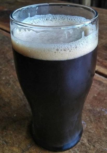 фото шоколадного пива стаут, приготовленного в домашних условиях