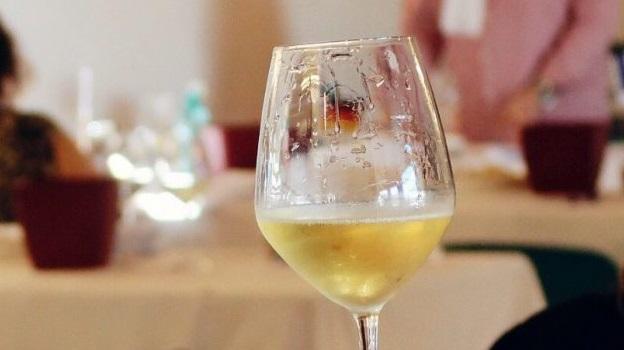фото сухого белого вина Верментино