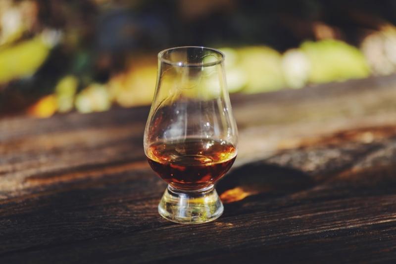 фото специального бокала для виски