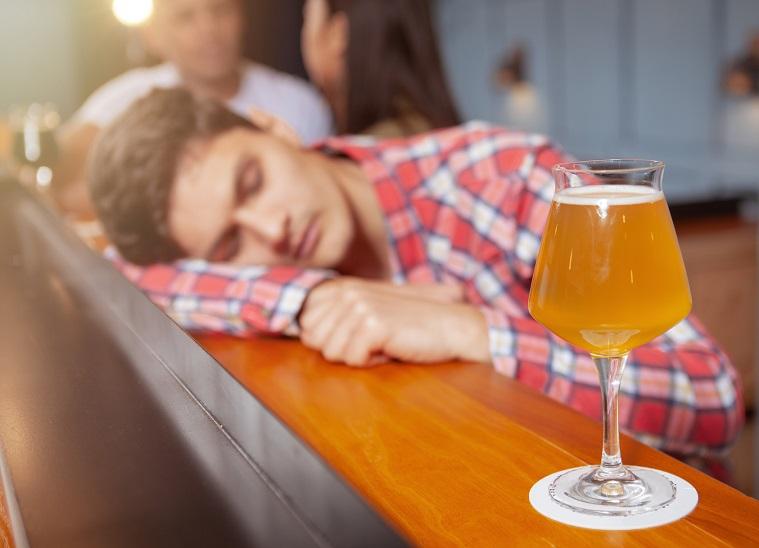 почему после алкоголя хочется спать