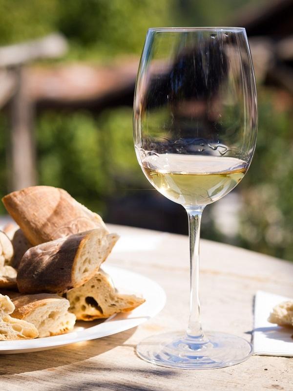 фото вина Ркацители в бокале