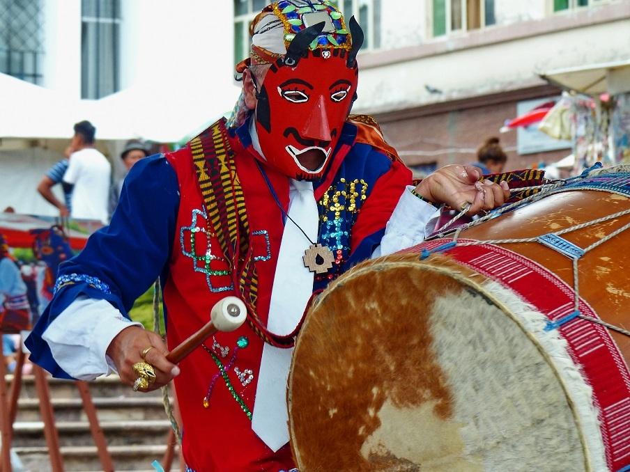 красная мексиканская маска дьявола фото