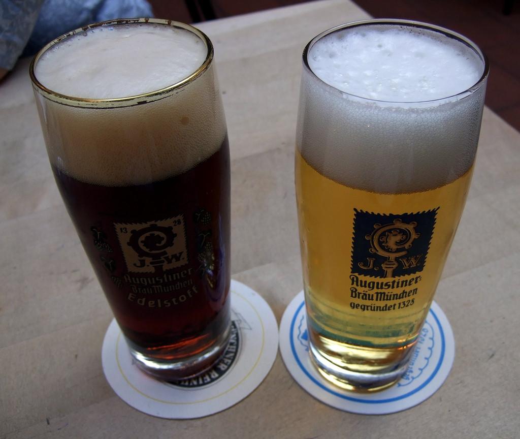 фото пива Августинер в бокале