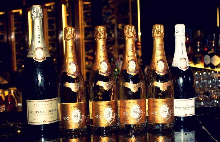 фото ассортимента шампанского Кристалл