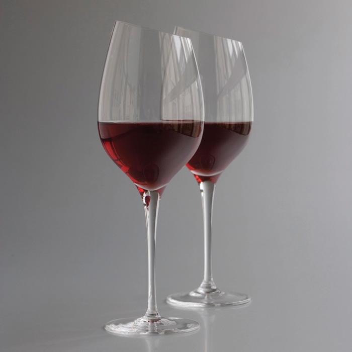 фото специальных бокалов для вина Шираз
