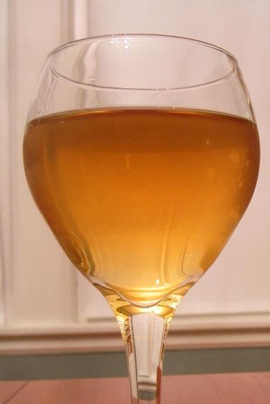 фото готового вина из липового цвета