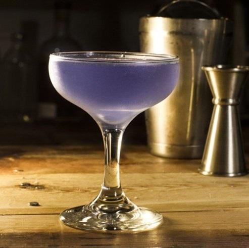 фото современного коктейля Авиация