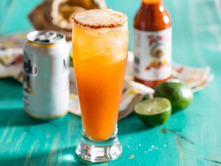 фото как пьют пиво в Мексике