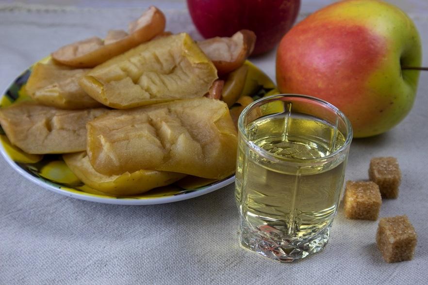 настойка из печеных яблок фото