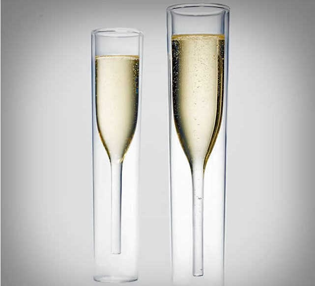 фото двойных бокалов под шампанское