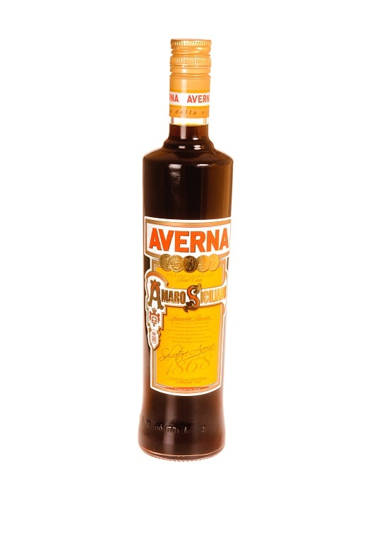 бутылка ликера Аверна