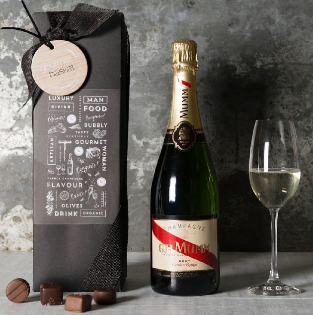 фото бутылки шампанского Mumm Cordon Rouge