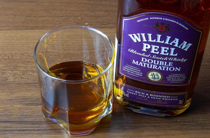 фото бутылки виски William Peel