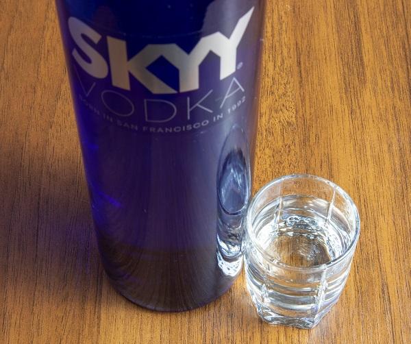фото бутылки водки Скай