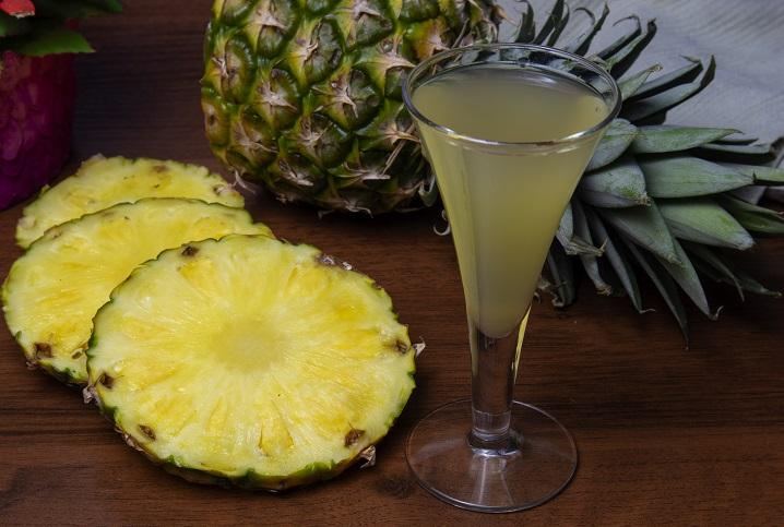 фото домашнего ликера из ананаса