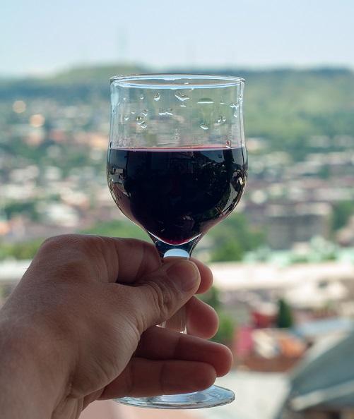 фото вина Ахашени в бокале