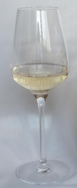 итальянское вино Гави в бокале
