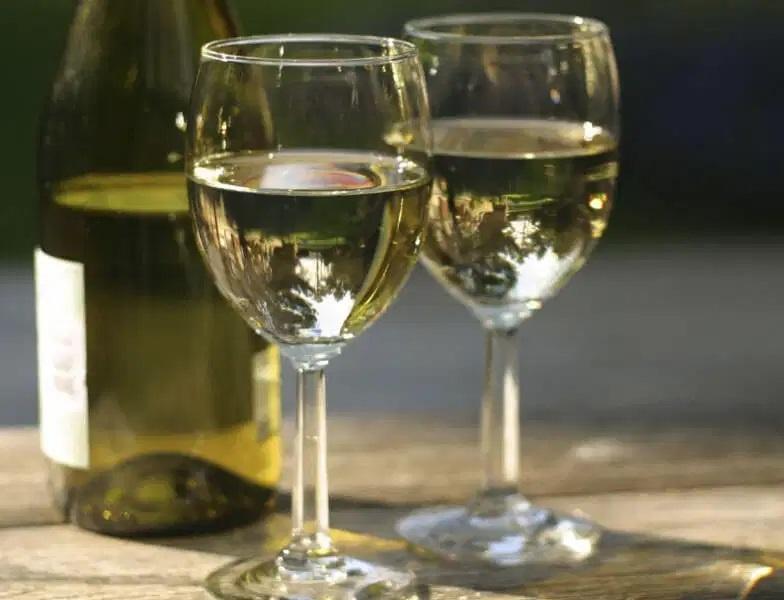 белое грузинское вино Вазисубани фото