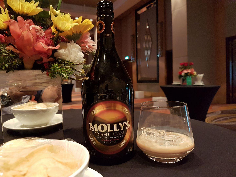 ликер Molly's