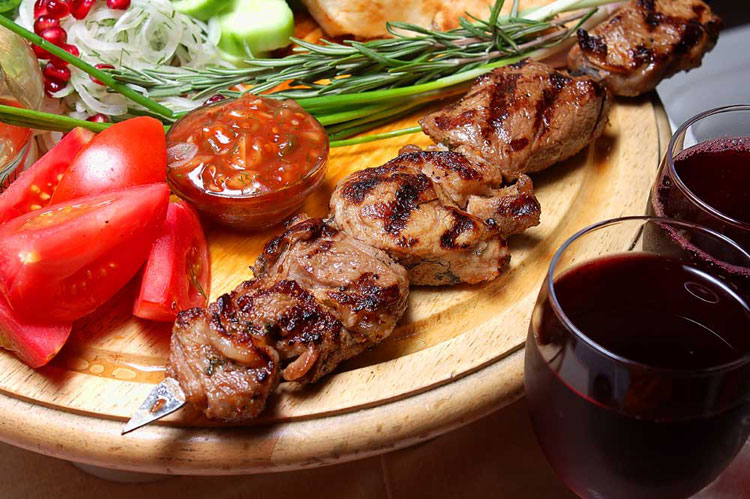 армянское вино с шашлыком