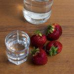 домашняя водка с ароматом клубники
