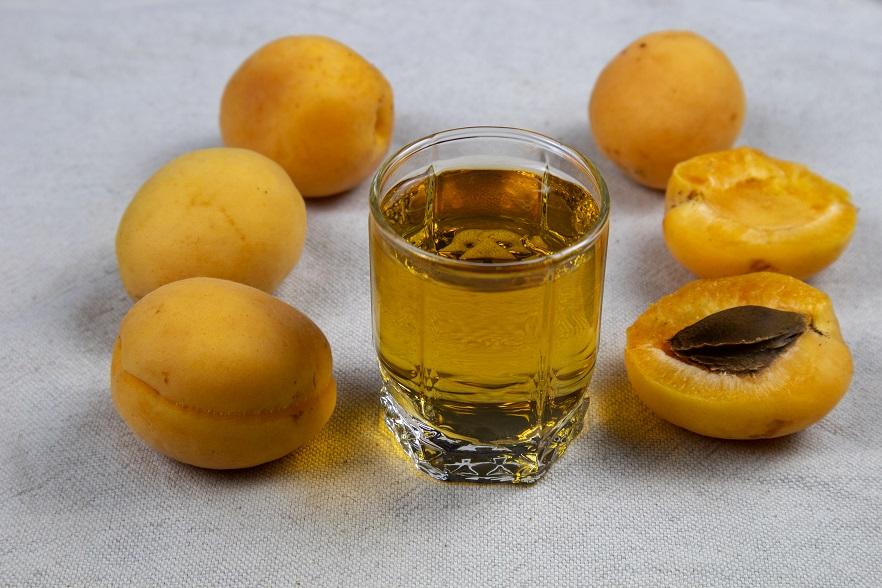 абрикосовый бренди