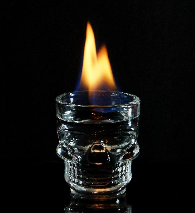 при скольких градусах горит спирт