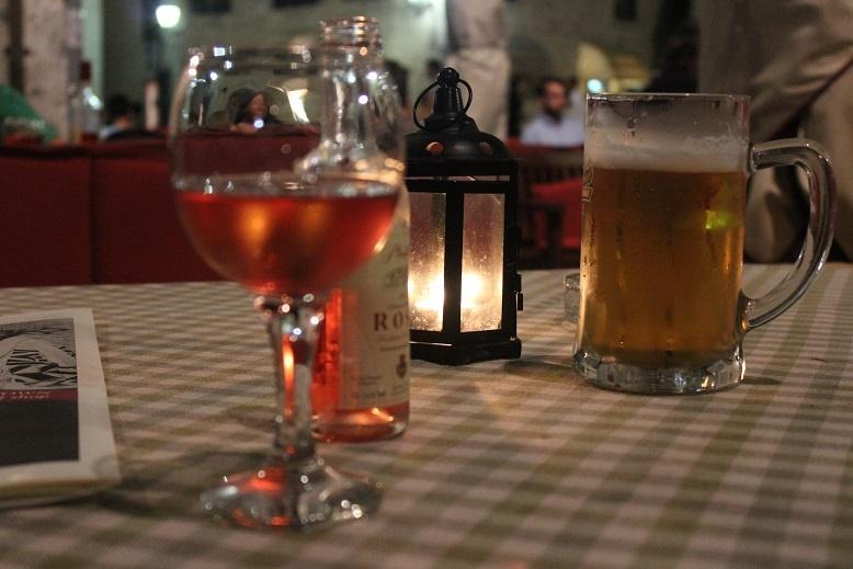 что пить: пиво или вино