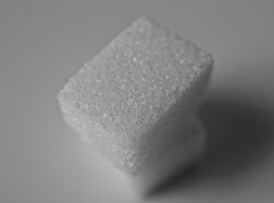 почему в самогоне сахар