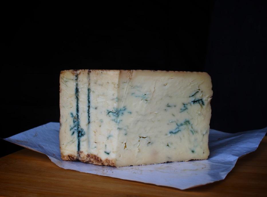 сыр с синей плесенью к вину фото