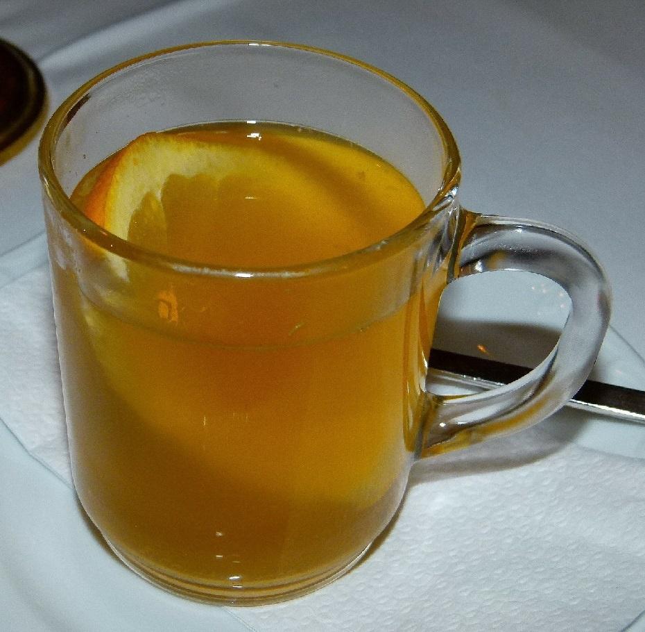горячий бурбон с яблочным соком фото