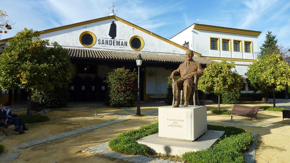 памятник Джорджу Сандеману